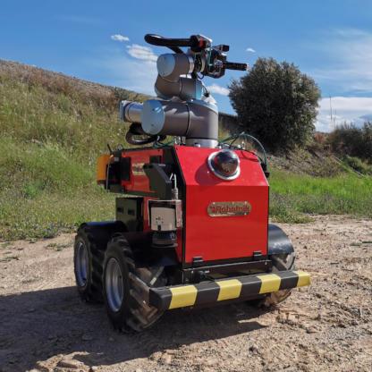 Robotnik RB EKEN with manipulator
