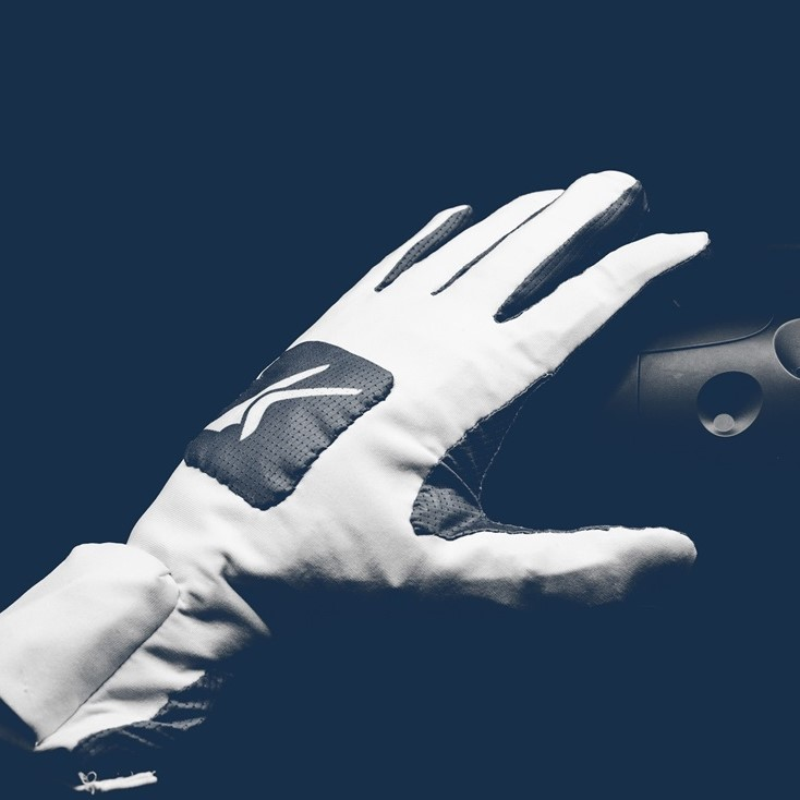 Kinfinity Glove multi-modal input device for robotics