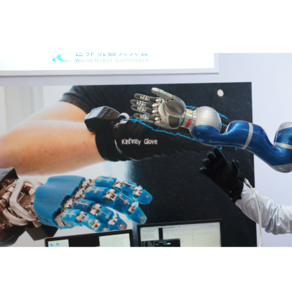 kinfinity glove and robot arms