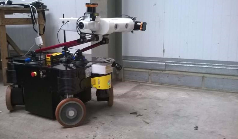 The MPO700 from Neobotix has a 300kg payload, is holonomic, and is easy with cameras and a compute facility